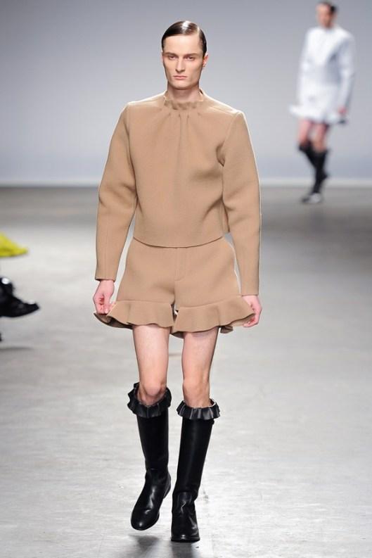 J.W. Anderson, Fashion, Men's Fashion, 2013, 2014, Fall Fashion, Kimberly Love, Male Models, Ruffles,