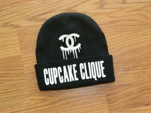 Cup Cake Mafia, Edgy, Stylish, Fashion Blogger,Sexy, Chains, Black Girl, Kimberly Love, Blogger, Crazy, funny, OOTD, Skully, Cunt, Crop top, Alternative black girls, dreadlocks,