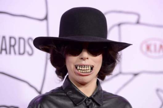 Lady-Gaga-Teeth-Youtube-Music-Awards-2013