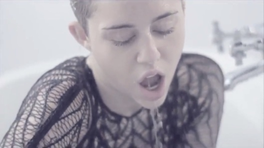 Miley-Cyrus-Adore-You-Video