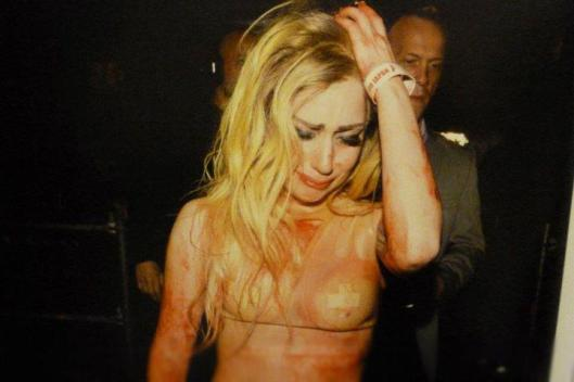 86974-lady-gaga-lady-gaga-crying