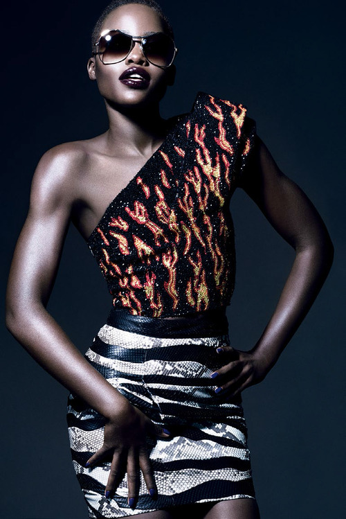 lupita-nyongo-by-tom-munro-for-vogue-italia-february-2014-5