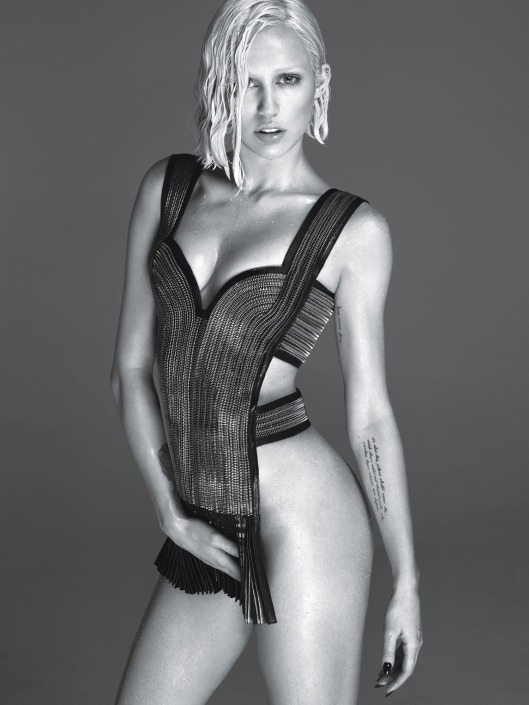 miley-cyrus-by-mert-alas-and-marcus-piggott-for-w-magazine-march-2014-2