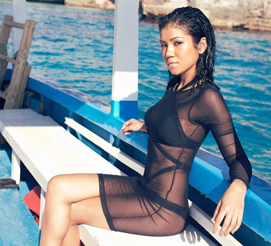 jhene-aiko-by-marcus-hyde-for-complex-april-may-2014-2