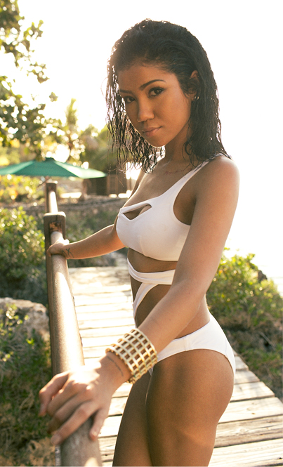 jhene-aiko-by-marcus-hyde-for-complex-april-may-2014-4
