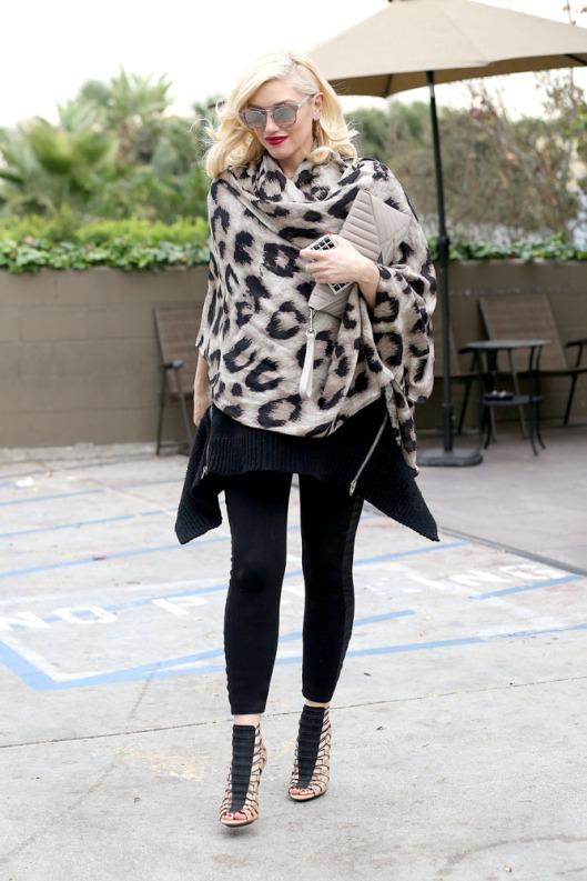 Gwen Stefani wraps up her Baby Bump
