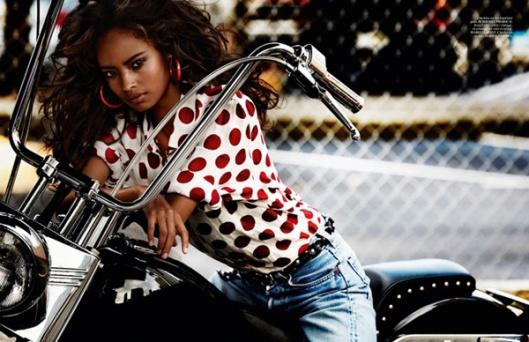 Malaika-Firth-Vogue-Paris-Mario-Testino-01